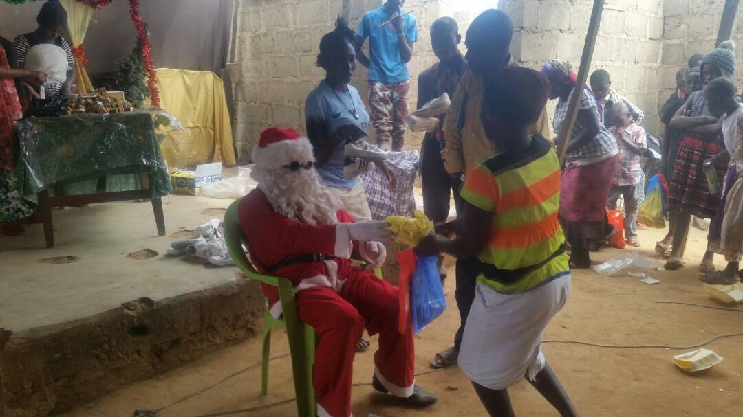 Santa at Nigerian orphanage
